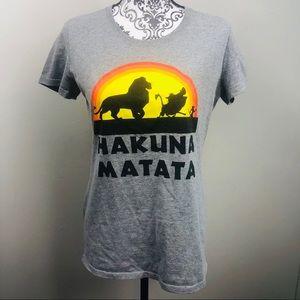 Hakuna Matata lion king shirt size L